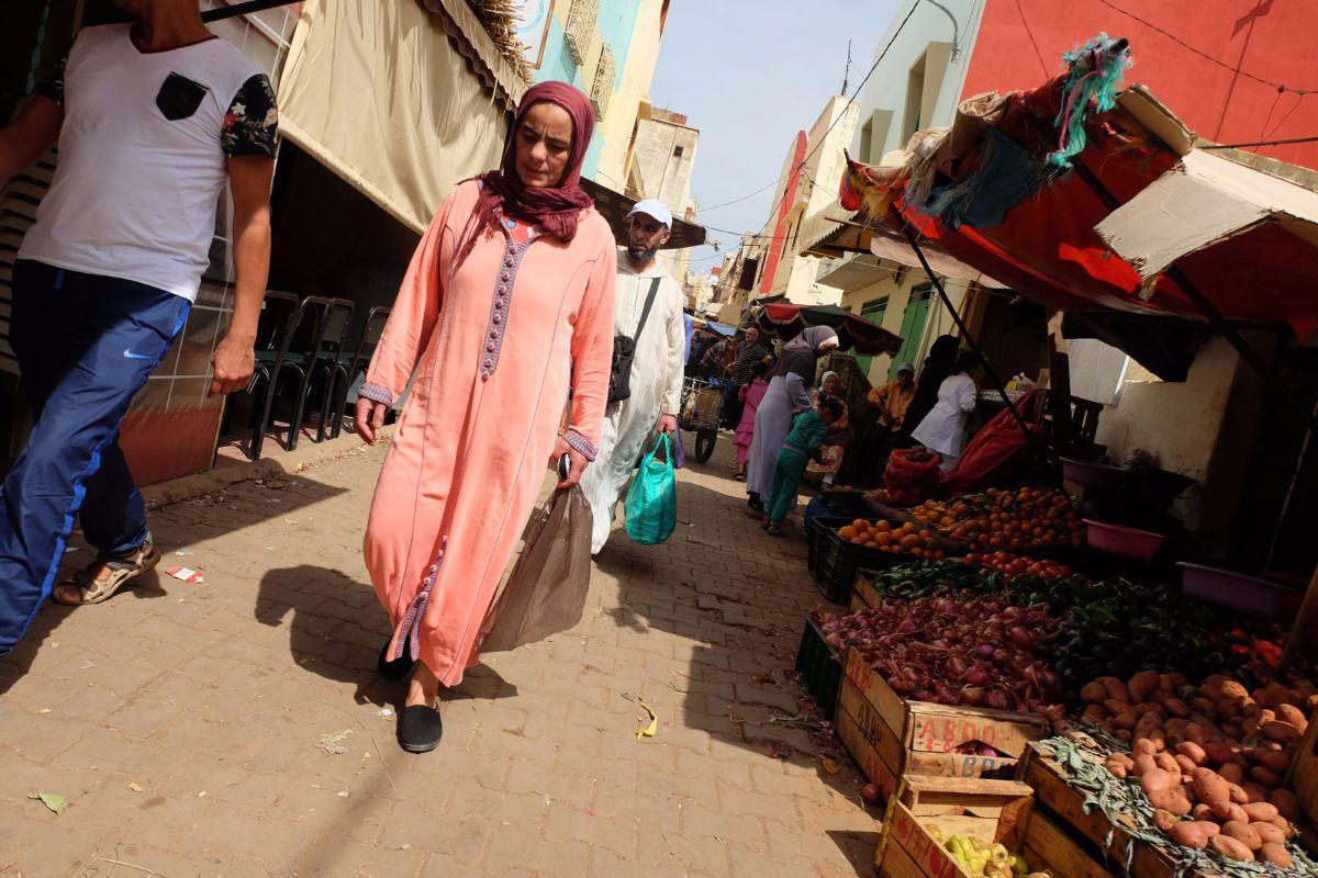 mujer mercado meknes
